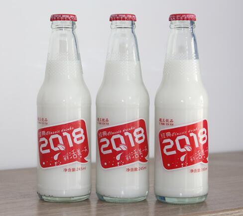 """""""威廉希尔椰汁系列""""产品是一种原生态饮品"""