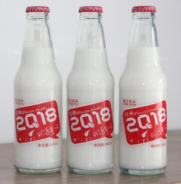 椰子水的糖分含量低,对准妈妈是非常有好处的